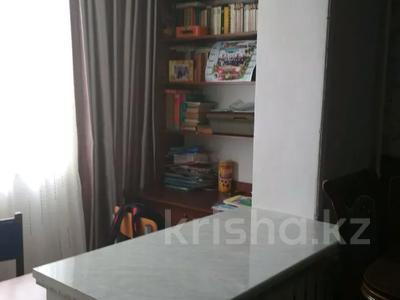 4-комнатная квартира, 75.1 м², 1/5 этаж, Химпоселок Аппасова(Лесная) 30 — Толе би за 13.5 млн 〒 в Таразе — фото 2