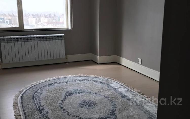 2-комнатная квартира, 76 м², 12/25 этаж помесячно, Нажимеденова 4 за 250 000 〒 в Нур-Султане (Астана), Алматы р-н
