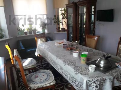 5-комнатный дом помесячно, 350 м², 10 сот., мкр Мамыр-4 за 400 000 〒 в Алматы, Ауэзовский р-н — фото 10