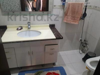 5-комнатный дом помесячно, 350 м², 10 сот., мкр Мамыр-4 за 400 000 〒 в Алматы, Ауэзовский р-н — фото 12