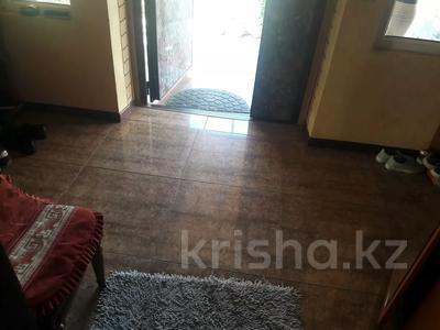 5-комнатный дом помесячно, 350 м², 10 сот., мкр Мамыр-4 за 400 000 〒 в Алматы, Ауэзовский р-н — фото 13