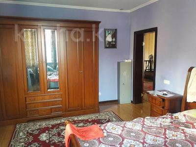 5-комнатный дом помесячно, 350 м², 10 сот., мкр Мамыр-4 за 400 000 〒 в Алматы, Ауэзовский р-н — фото 17