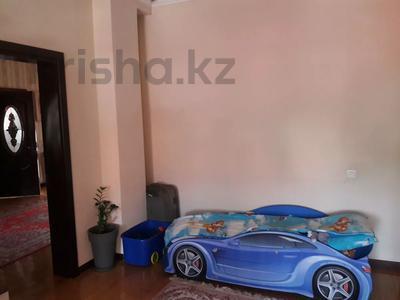 5-комнатный дом помесячно, 350 м², 10 сот., мкр Мамыр-4 за 400 000 〒 в Алматы, Ауэзовский р-н — фото 21