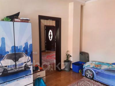 5-комнатный дом помесячно, 350 м², 10 сот., мкр Мамыр-4 за 400 000 〒 в Алматы, Ауэзовский р-н — фото 22