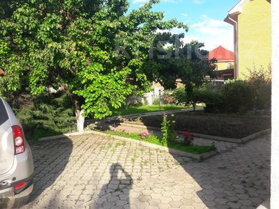 5-комнатный дом помесячно, 350 м², 10 сот., мкр Мамыр-4 за 400 000 〒 в Алматы, Ауэзовский р-н — фото 3