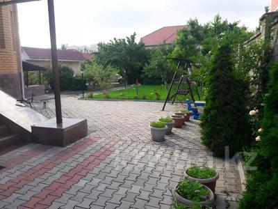 5-комнатный дом помесячно, 350 м², 10 сот., мкр Мамыр-4 за 400 000 〒 в Алматы, Ауэзовский р-н — фото 35