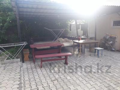 5-комнатный дом помесячно, 350 м², 10 сот., мкр Мамыр-4 за 400 000 〒 в Алматы, Ауэзовский р-н — фото 39