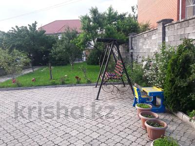 5-комнатный дом помесячно, 350 м², 10 сот., мкр Мамыр-4 за 400 000 〒 в Алматы, Ауэзовский р-н — фото 4