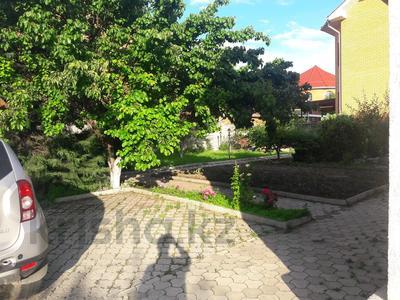 5-комнатный дом помесячно, 350 м², 10 сот., мкр Мамыр-4 за 400 000 〒 в Алматы, Ауэзовский р-н — фото 43