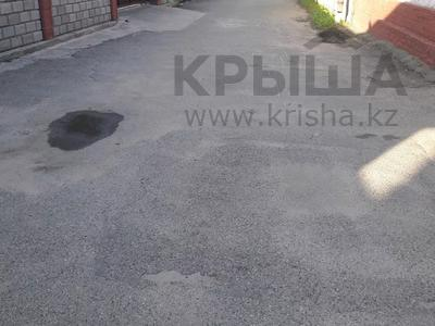 5-комнатный дом помесячно, 350 м², 10 сот., мкр Мамыр-4 за 400 000 〒 в Алматы, Ауэзовский р-н — фото 46