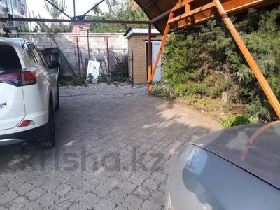 5-комнатный дом помесячно, 350 м², 10 сот., мкр Мамыр-4 за 400 000 〒 в Алматы, Ауэзовский р-н — фото 47