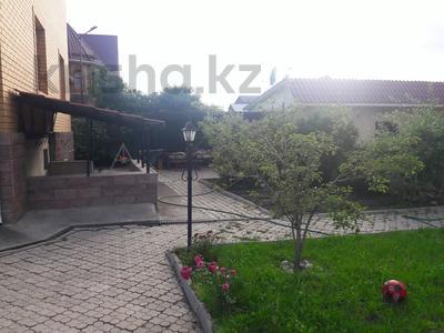 5-комнатный дом помесячно, 350 м², 10 сот., мкр Мамыр-4 за 400 000 〒 в Алматы, Ауэзовский р-н — фото 48