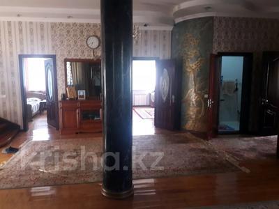 5-комнатный дом помесячно, 350 м², 10 сот., мкр Мамыр-4 за 400 000 〒 в Алматы, Ауэзовский р-н — фото 8