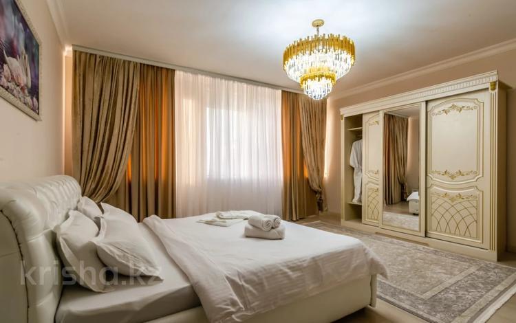 2-комнатная квартира, 100 м², 26/30 этаж посуточно, Аль-Фараби 7 — Козыбаева за 35 000 〒 в Алматы