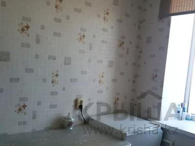 1-комнатная квартира, 32 м², 6/6 этаж, Гастелло 18 за 5 млн 〒 в Актобе, Старый город — фото 4