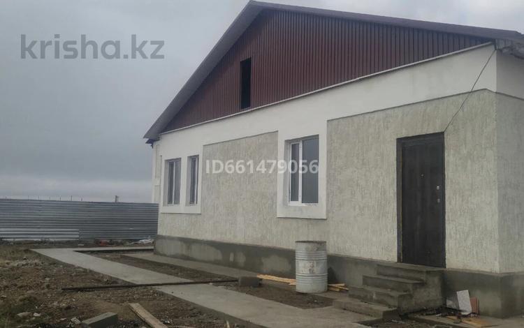 Здание, площадью 130 м², 014 за 15 млн 〒 в Караоткеле