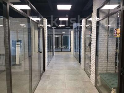 Магазин площадью 500 м², Макатаева 117 — Масанчи за 5 500 〒 в Алматы, Алмалинский р-н — фото 2