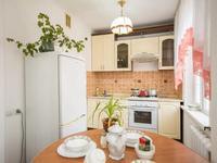 2-комнатная квартира, 55 м², 2/5 этаж посуточно, мкр Коктем-3, Микрорайон Коктем 3 4 за 9 000 〒 в Алматы, Бостандыкский р-н