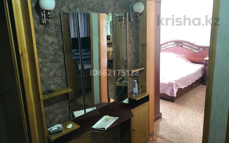 2-комнатная квартира, 53 м², 3/5 этаж помесячно, мкр Тастак-2 64 — Болотникова за 130 000 〒 в Алматы, Алмалинский р-н