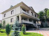 8-комнатный дом помесячно, 500 м², 9 сот.