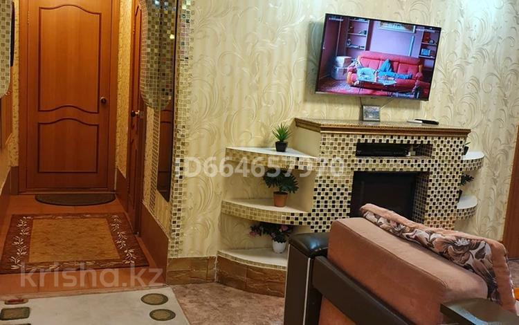 3-комнатная квартира, 63 м², 2 этаж посуточно, 72-й квартал 14 за 15 000 〒 в Семее