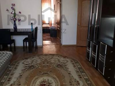 2-комнатная квартира, 65 м², 3 этаж посуточно, Сатпаева 28 за 8 000 〒 в Атырау — фото 2