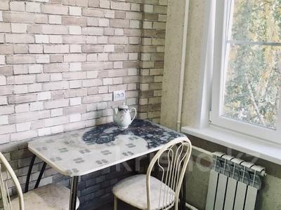 2-комнатная квартира, 52 м², 4/5 этаж посуточно, Сатпаева 28 за 10 000 〒 в Усть-Каменогорске — фото 3