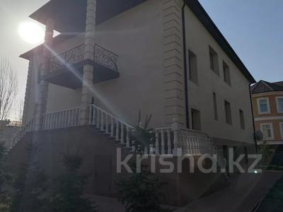 11-комнатный дом поквартально, 660 м², 7.5 сот., Жылыой 13/1 — Атырау за 2.2 млн 〒 в Караоткеле — фото 4