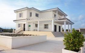 8-комнатный дом, 553 м², 100 сот., Avenida de Perleta за 243.6 млн 〒 в Эльче