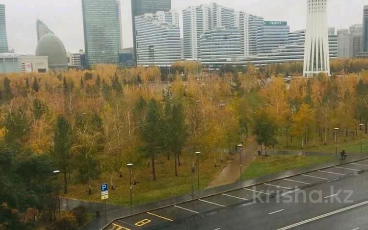 5-комнатная квартира, 240.9 м², 5 этаж, Достык 13/3 за 87 млн 〒 в Нур-Султане (Астана), Есиль р-н