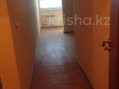 1-комнатная квартира, 30 м², 2/9 этаж, мкр Аксай-3А 27а — Толе би за 9.5 млн 〒 в Алматы, Ауэзовский р-н