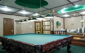 14-комнатный дом, 780 м², 16 сот., мкр Ерменсай, Райымбека за 320 млн 〒 в Алматы, Бостандыкский р-н