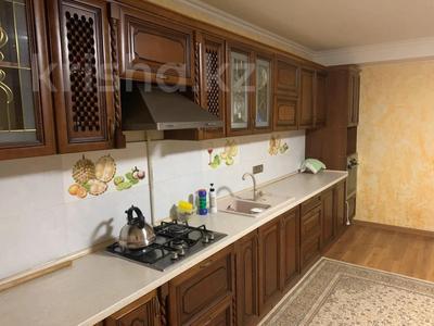 6-комнатный дом помесячно, 360 м², 10 сот., Оркен 50 за 280 000 〒 в Кыргауылдах — фото 2