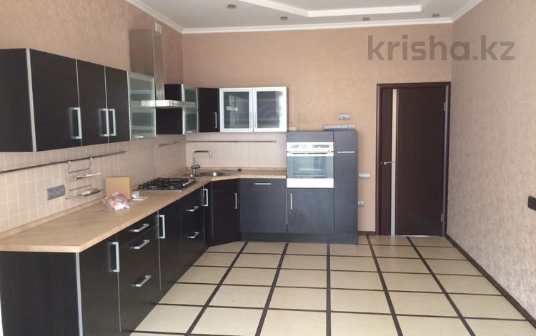3-комнатная квартира, 150 м², 5/5 этаж, мкр Кадыра Мырза-Али, Ескалиева за 32 млн 〒 в Уральске, мкр Кадыра Мырза-Али