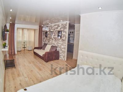 1-комнатная квартира, 36 м², 4/5 этаж посуточно, Батыра Баяна 30 — Лесная за 13 000 〒 в Петропавловске — фото 4