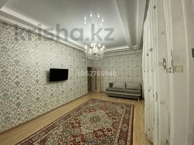 3-комнатная квартира, 72 м², 10/14 этаж помесячно, 17-й мкр 7 за 270 000 〒 в Актау, 17-й мкр — фото 2