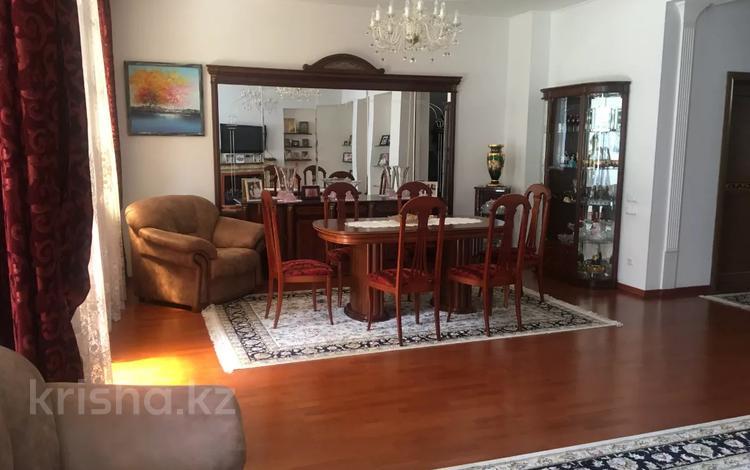 5-комнатный дом, 355 м², 3.8 сот., мкр Мирас — Каргалы за ~ 127 млн 〒 в Алматы, Бостандыкский р-н