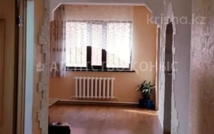 6-комнатный дом, 250 м², 10 сот., Имени Талгата Бигельдинова за 50 млн 〒 в Тайтобе