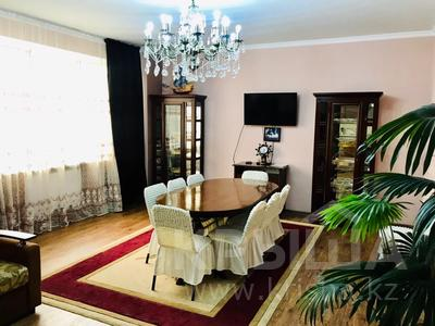 3-комнатная квартира, 170 м², 14/30 этаж посуточно, Аль-Фараби 7 за 40 000 〒 в Алматы, Медеуский р-н — фото 34
