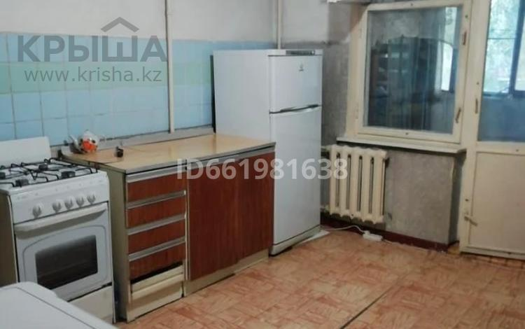 2-комнатная квартира, 52 м², 3/5 этаж, мкр Аксай-4 40 за 22.5 млн 〒 в Алматы, Ауэзовский р-н