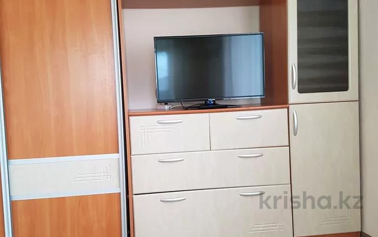 1-комнатная квартира, 33 м², 3/5 этаж по часам, Тарана 111 за 1 000 〒 в Костанае