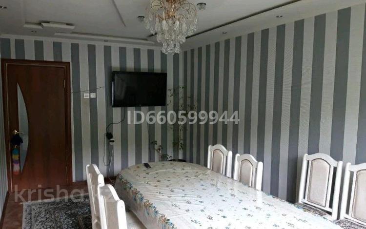 2-комнатная квартира, 48 м², 3/5 этаж, проспект Металлургов 26/2 за 7 млн 〒 в Темиртау