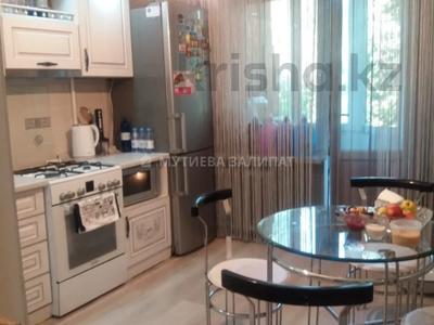 2-комнатная квартира, 50 м², 3/5 этаж, мкр Аксай-4, Бауыржана Момышулы — Улугбека за 22 млн 〒 в Алматы, Ауэзовский р-н