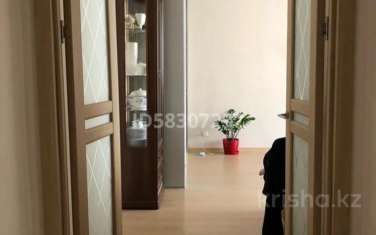 2-комнатная квартира, 68 м², 3 этаж, Алихана Бокейxанова 17 за 25 млн 〒 в Нур-Султане (Астана), Есиль р-н