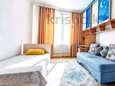 3-комнатная квартира, 103 м², 3/9 этаж на длительный срок, Сарайшык 34 за 300 000 〒 в Нур-Султане (Астане), Есильский р-н