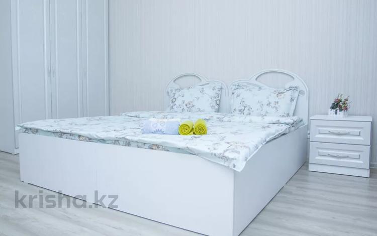 1-комнатная квартира, 40 м², 4/10 этаж посуточно, Мангилик Ел 53 за 10 000 〒 в Нур-Султане (Астана), Есиль р-н