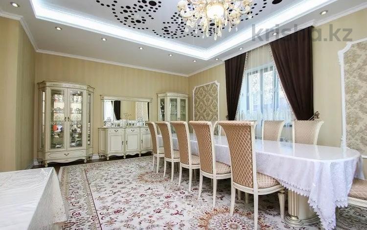 5-комнатный дом, 300 м², 8 сот., мкр Дубок (Шабыт), Шаляпина — Бауыржана Момышулы за 150 млн 〒 в Алматы, Ауэзовский р-н