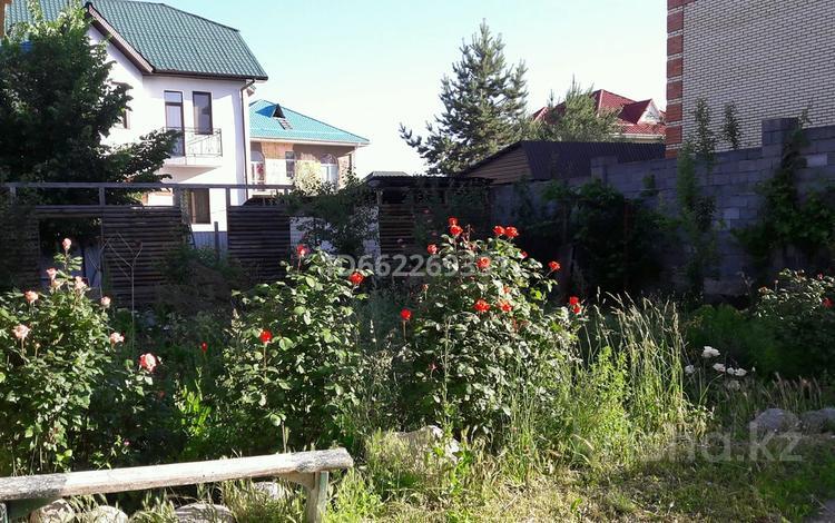 1-комнатный дом помесячно, 65 м², 10 сот., мкр Калкаман-3 — Ашимова - Шаляпина за 80 000 〒 в Алматы, Наурызбайский р-н