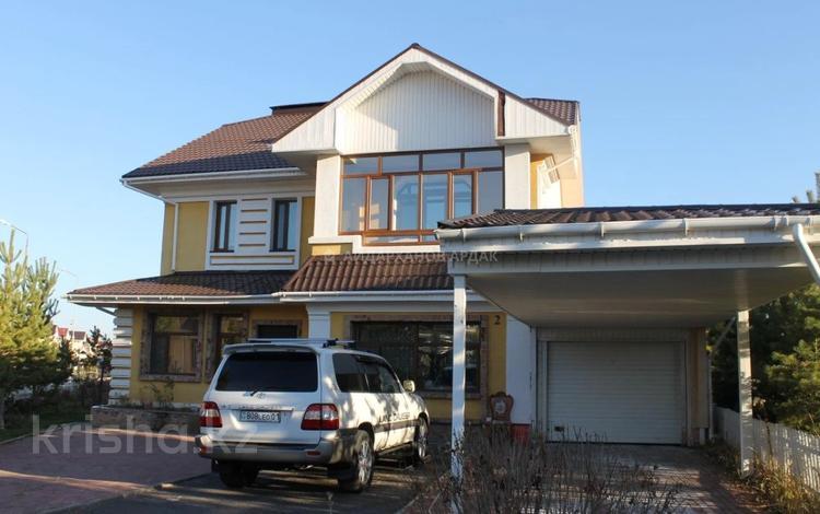 6-комнатный дом, 250 м², 10 сот., Амандык 2 за 135 млн 〒 в Нур-Султане (Астана), Есиль р-н