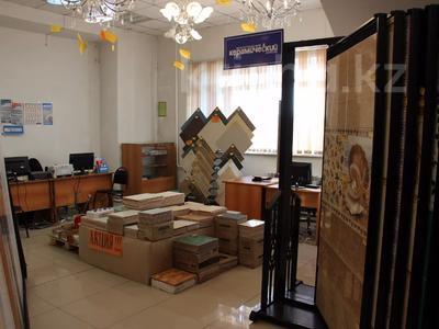 Здание, площадью 2600 м², Молокова за 340 млн 〒 в Караганде, Казыбек би р-н — фото 10